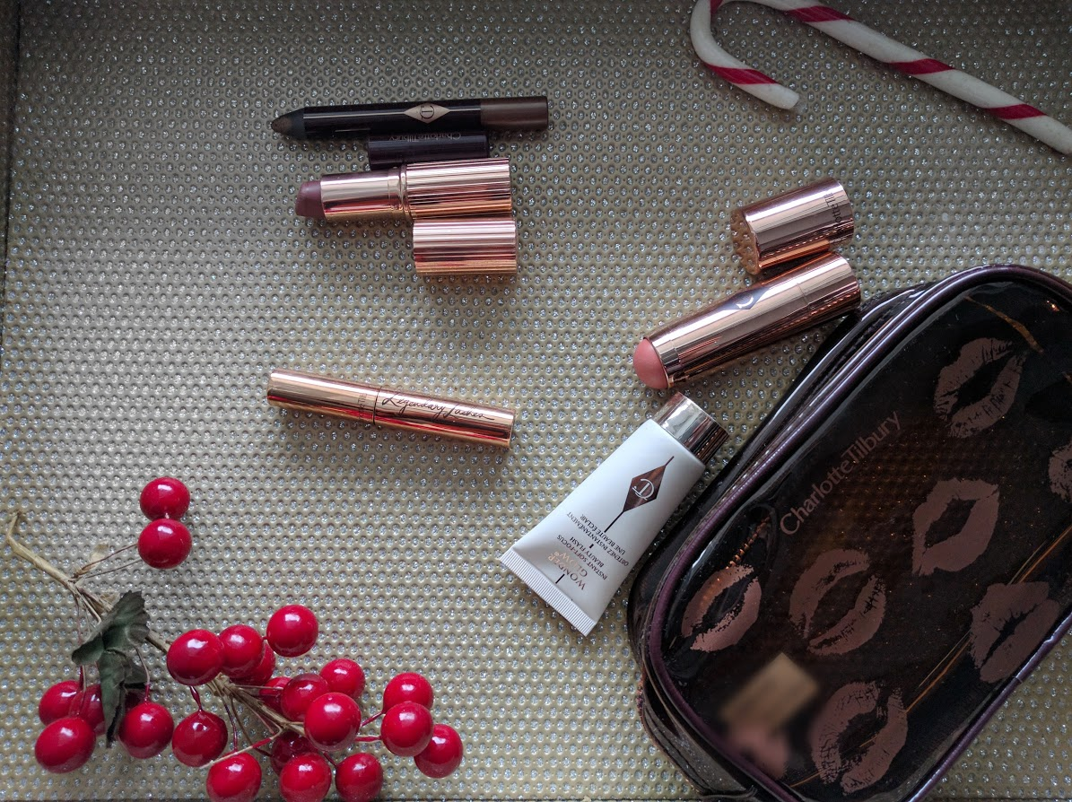 Charlotte Tilbury:  Quick and Easy Beauty Kit